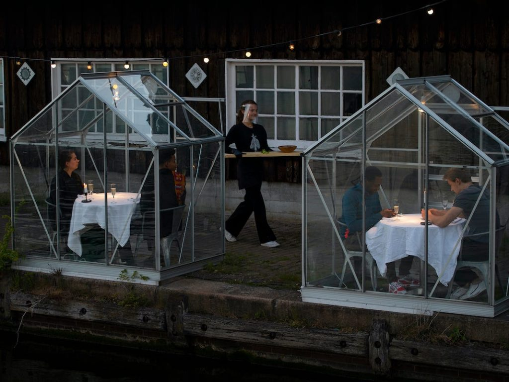 Amsterdam's Mediamatic Eten Set Up Serres Séparées Or Separated Greenhouses As Seating To Adhere To Norms Of Social Distancing.