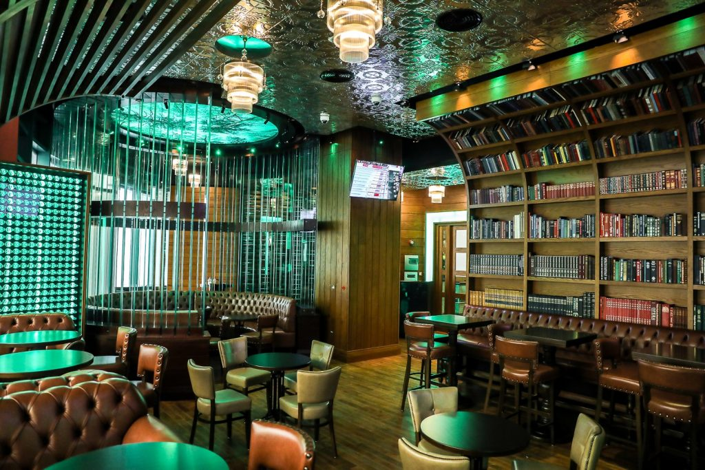 Irish Bar Chain Mcgettigan Opened Its Dubai Outpost In Jumeirah Lake Towers' Neighbourhood In May End To A Long Queue Of People Waiting To Get In.jpg
