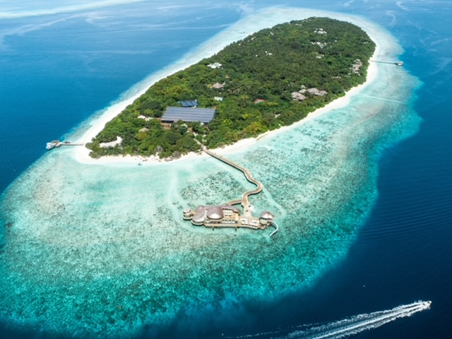 There Is More To Luxury Travel In Maldives Then The Sky Meets Sea Vistas. The Luxury Hotels Are Offering Some Great Deals.